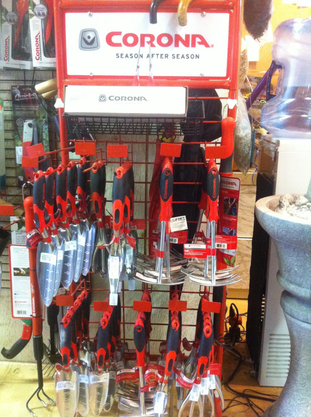 Gardening tools accessories gammon 39 s garden center for Garden tools accessories